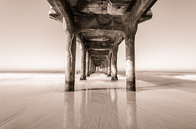Manhattan Beach Monotone