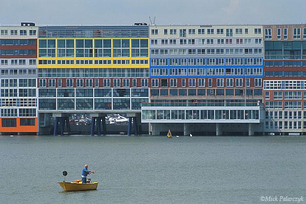 [AMSTERDAM 20.662] Amsterdam: housing project Silodam (2002).Architect: MVRDV. Photo Mick Palarczyk.