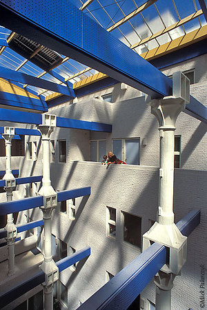 [AMSTERDAM 5320]  Amsterdam, eastern docklands: housing in renovated 19th cent. warehouse 'Maandag tot en met Zaterdag'. Architect: Chris Smit Photo Mick Palarczyk.
