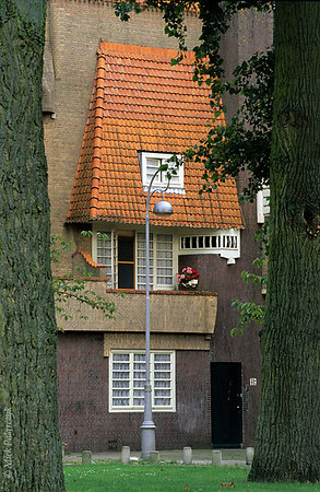 "[Amsterdam-5399] Amsterdam, P.L.Takstraat. Housing (1923) in ""Amsterdamse School"" style by architect P.Kramer. Photo Mick Palarczyk."