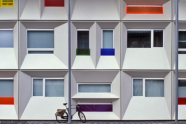 [AMSTERDAM 24.283] Amsterdam, Houthavens: student housing (2005) in containers by architect Albert Helder. Photo Mick Palarczyk.