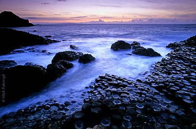 [BRITAIN.IRELANDNOR 21.853] 'Natural hexagons.' The hexagonal columns of Giant's Causeway look like man made objects but are in fact the result of the cooling and shrinking process in a 60 million old lava flow. Photo Mick Palarczyk.