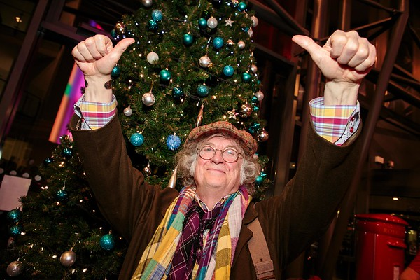 Walsall Manor Hospital - Noddy Holder switching on the Christmas Tree Lights