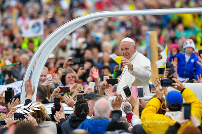 Pope Francis visit to Ireland, Phoenix Park, Sunday 26th August 2018:    Pope Francis arrives in Phoenix Park to rapturous applause from the gathered faithful.     Picture: Ronan McGrade