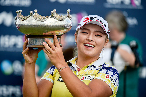 ADELAIDE, AUSTRALIA - FEBRUARY 19:  Ha Na Jane from the Republic of Korea wins the ISPS Handa Women's Australian Open at Royal Adelaide Golf Club on February 19, 2017 in Adelaide, Australia.
