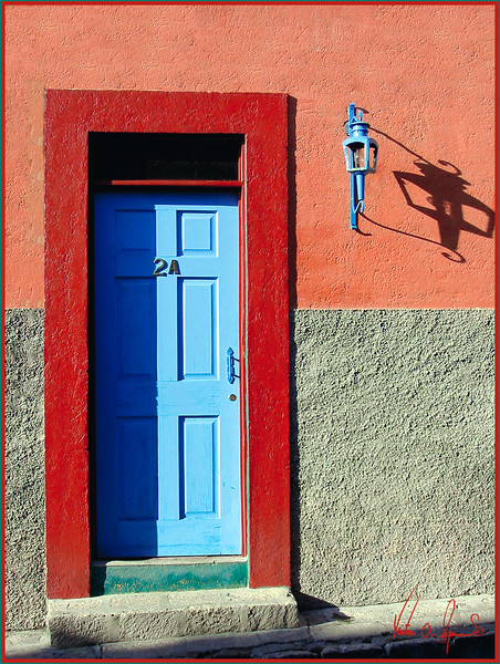 SHADOWS AND COLORS