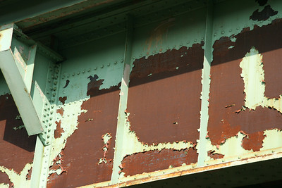 I-95 rusted overpass