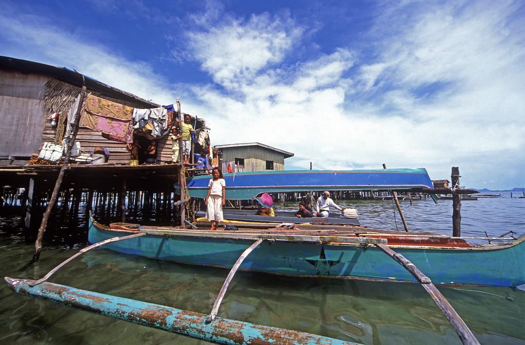 Sea baju gipsies in water village, Semporna, Sabah,. Borneo