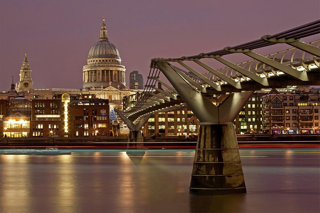 St. Pauls Cathedral and Millenium Bridge in Twilight