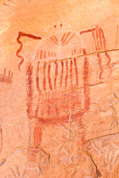 Barrier Canyon Style pictographs with white details, Utah