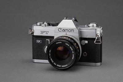 0721-CAMERAS-Antiques-190