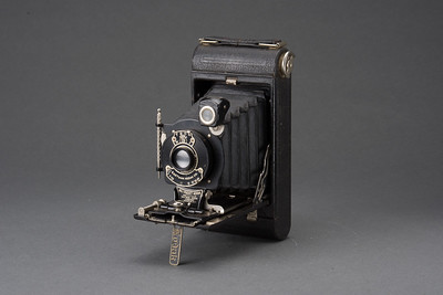 0721-CAMERAS-Antiques-B-002