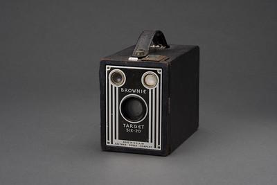 0721-CAMERAS-Antiques-081