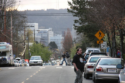 Looking back toward Portland on Hawthorne.