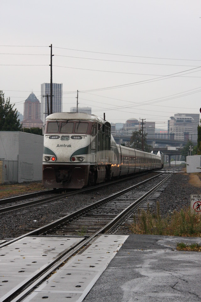 Amtrak Cascades cutting through south east Portland.