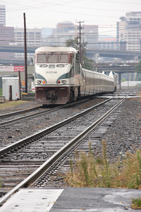 Amtrak Cascades cutting through south east Portland.
