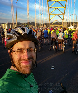 Ted on the Fremont Bridge; there's a mass of riders waiting for the full length of 405 to open. Next stop: Marquam!