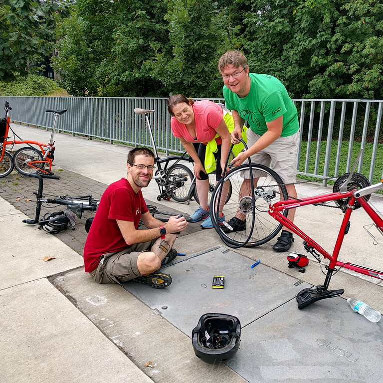 Happened across a cyclist who had NO IDEA how to fix her tire. That's fine, we're happy to help!