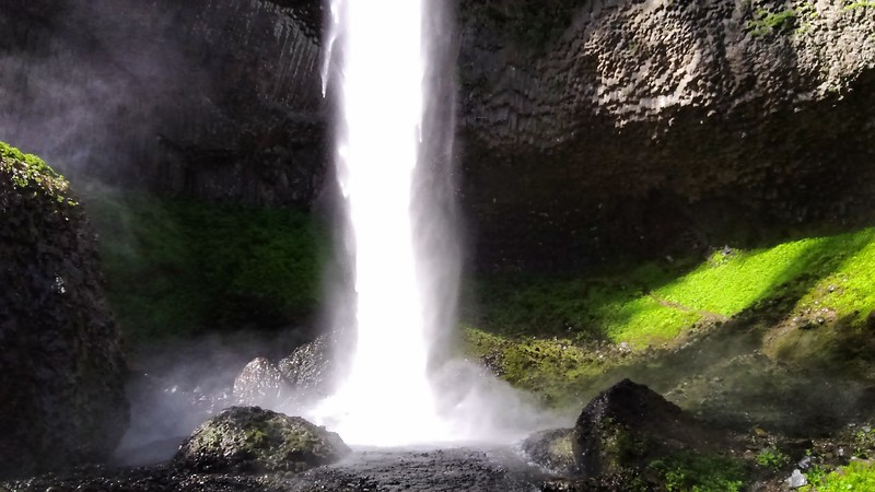 Vistas and waterfalls in columbia river gorge