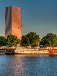 portland-river-boat