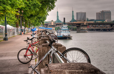 bikes-boat-river-walk