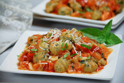 Spinach Gnocchi with Fresh Tomato Sauce - PNG