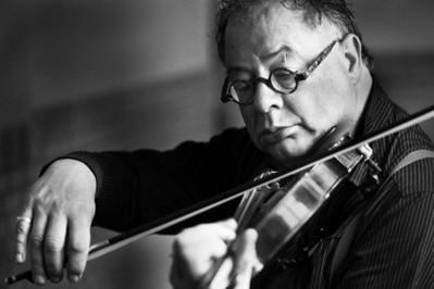 Peter, violinist
