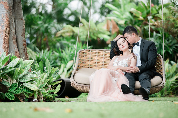 Portrait Photography by Rolland & Jessica. Maui, Hawaii.