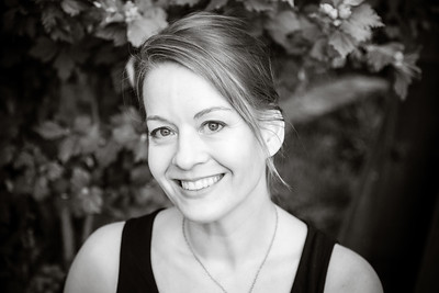 Jennifer E natural light professional headshots Nevada City.