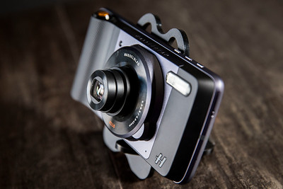 Hasselblad Moto Mod for Smartphone Photography