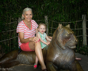 Brinley's 18 month Photo session with grandma at the zoo