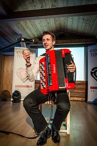 Paweł Janas (akordeon)