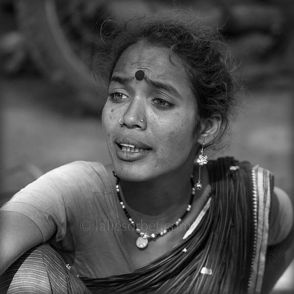 Gypsy woman during the Indian festival Pongal.<br /> Pongal is a harvest festival celebrated by Tamil people at the end of the harvest season.<br /> Femme gypsy lors du festival indien Pongal.<br /> Pongal est le festival des moissons célébré dans le Tamil Nadu à la fin des récoltes.
