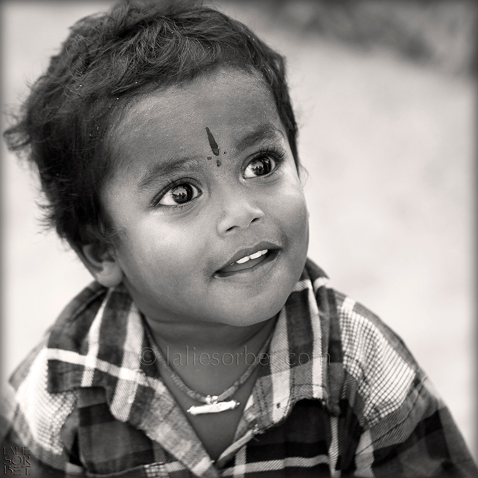 Little boy on the island of Rameswaram, Tamil Nadu, India.<br /> Petite garçon sur l'île de Rameswaram, Tamil Nadu, India.
