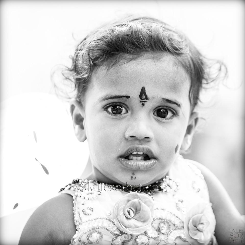 Baby at the indian festival of Pongal, celebrated in Tamil Nadu at the end of the harvest season.<br /> Bébé lors du festival indian de Pongal, célébré dans le Tamil Nadu lors de la fin des récolte.