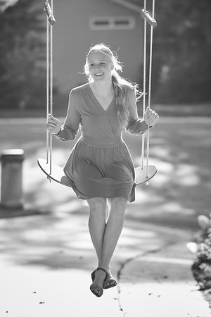 27  Phoebe Senior Portrait 8-13-2020 RobertEvansImagery com