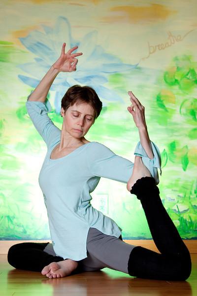 wendy yoga-20