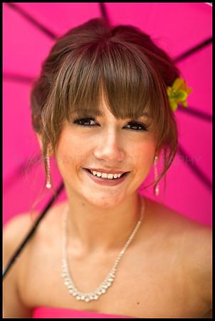 Pink Umbrella   Canon 1Ds MK I Canon EF 85mmn f/1.2L