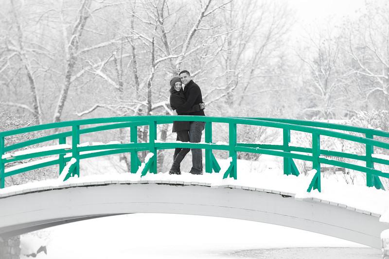 5-Burns_Winter_Couple_Photos-3
