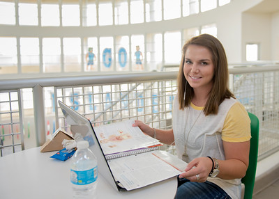 Chelsea Nadeau catching up on her Anatomy and Physiology studies in the University Center.