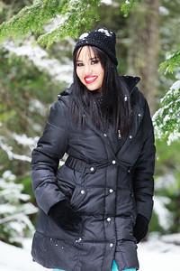 Jenny in Snow-356