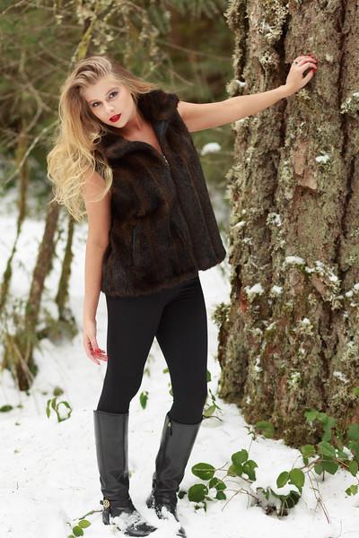 Vanessa in fur