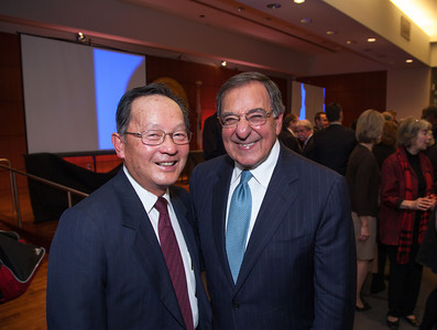 Justice Chin and Leon Panetta at the Judicial Counsel Awards.
