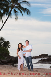 IMG_1916-Bocalbos Lommerin family portrait-Paradise Cove Public Beach-Oahu-October 2013