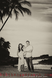 IMG_1916-Bocalbos Lommerin family portrait-Paradise Cove Public Beach-Oahu-October 2013-Edit