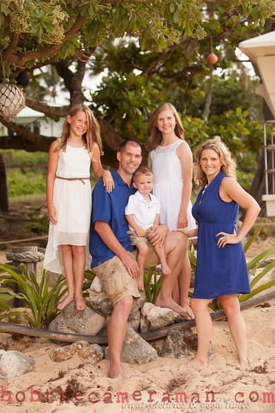 IMG_2973-Muirbrook Family portrait-Rockpiles-Cabins-North Shore-Hawaii-August 2015