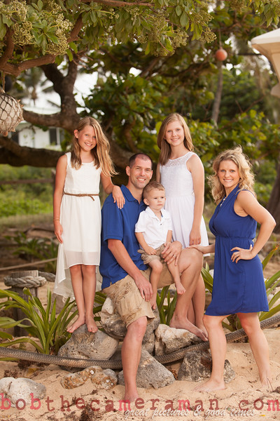 IMG_2970-Muirbrook Family portrait-Rockpiles-Cabins-North Shore-Hawaii-August 2015