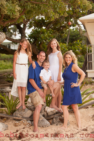 IMG_2972-Muirbrook Family portrait-Rockpiles-Cabins-North Shore-Hawaii-August 2015