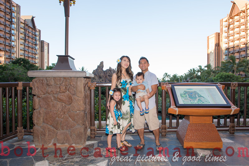H08A2970-Padilla family portrait-Disney Aulani Resort-Ko Olina-Hawaii-November 2017