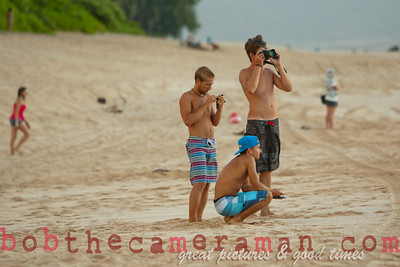 0M2Q9498-Remy and friends portrait-Bonzai Pipeline-Rockpile-Oahu-Hawaii-July 2011